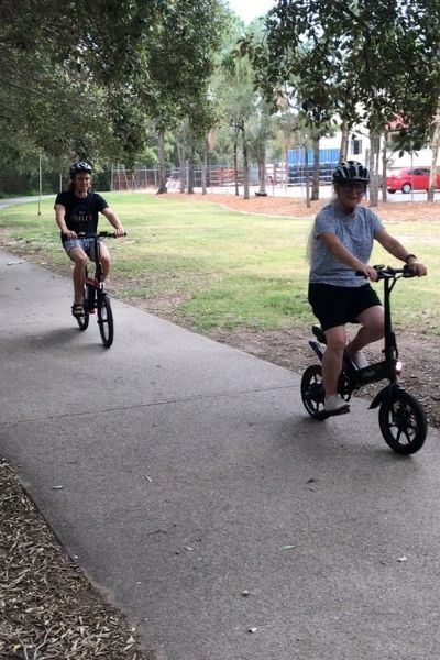Moov8 Ebikes & Scooters 2